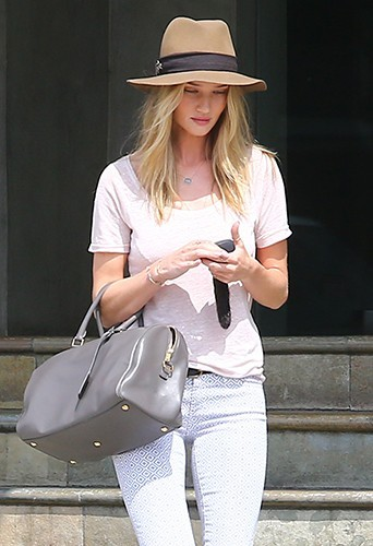 Rosie Huntington-Whiteley à Los Angeles le 5 avril 2013