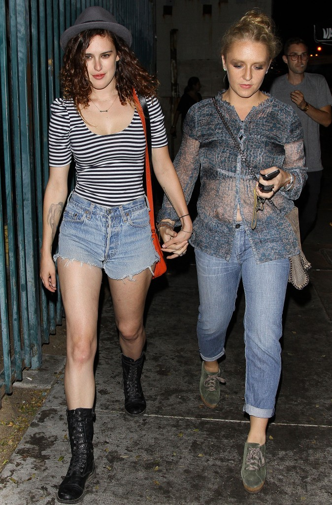Rumer Willis et sa copine, Hollywood, 24 aout 2012.