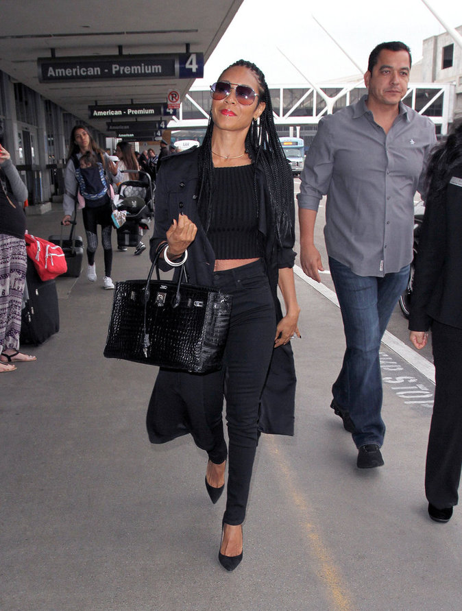 Le total look black comme Jada Pinkett Smith