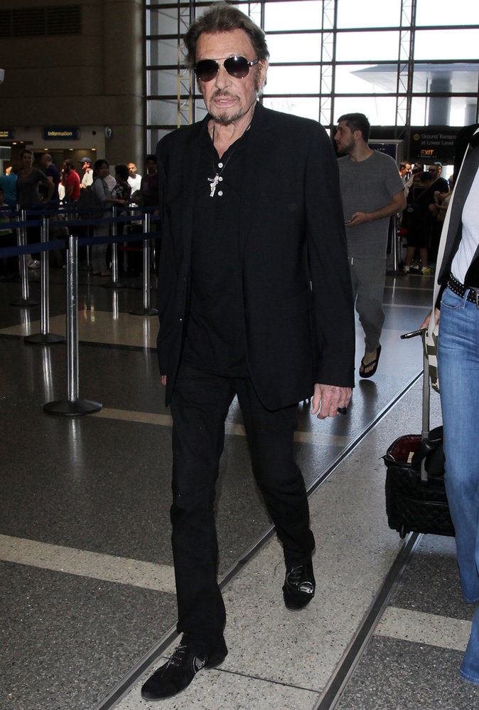 Le total look black comme Johnny Hallyday