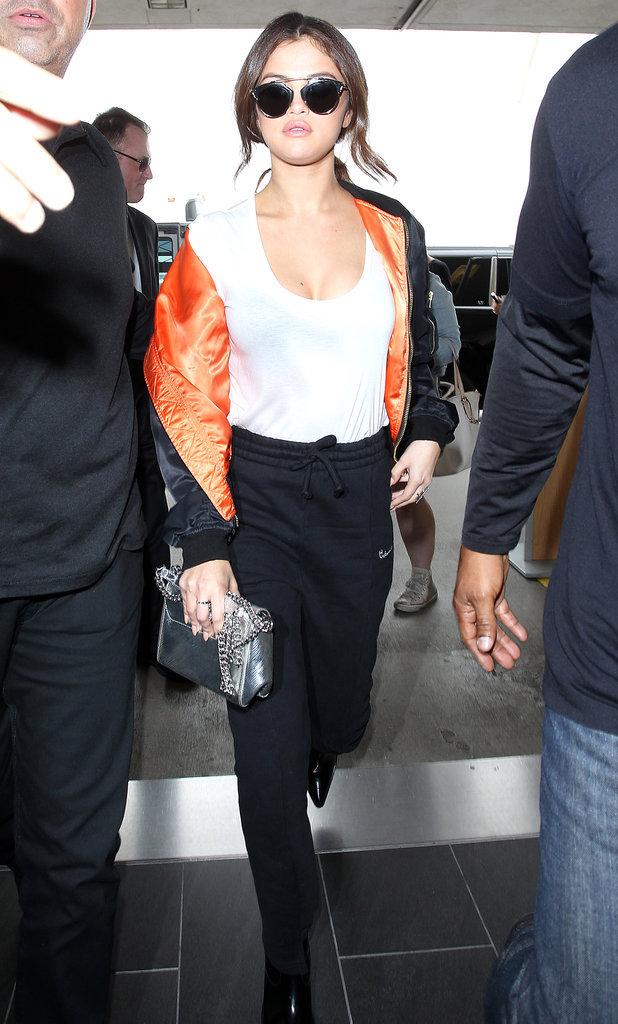 Les lunettes de soleil comme Selena Gomez