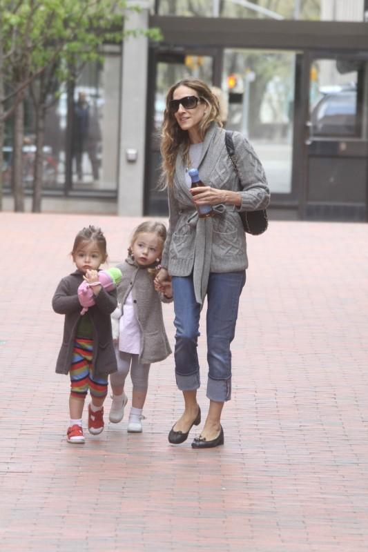 Sarah Jessica Parker et ses jumelles à New York, le 10 avril 2012.