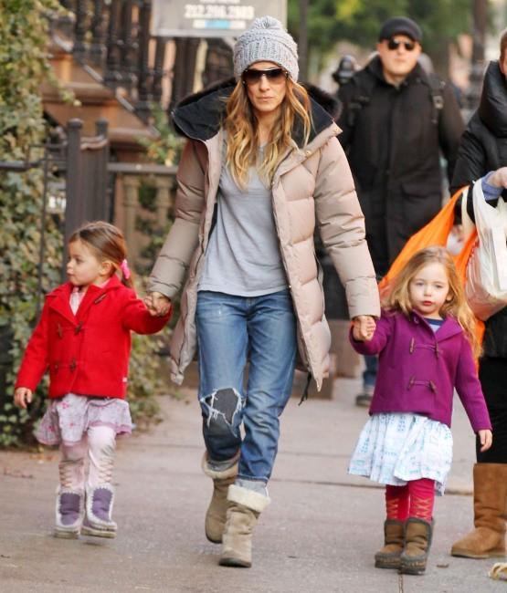 Sarah Jessica Parker et ses jumelles Marion et Tabitha à New York, le 13 décembre 2012.
