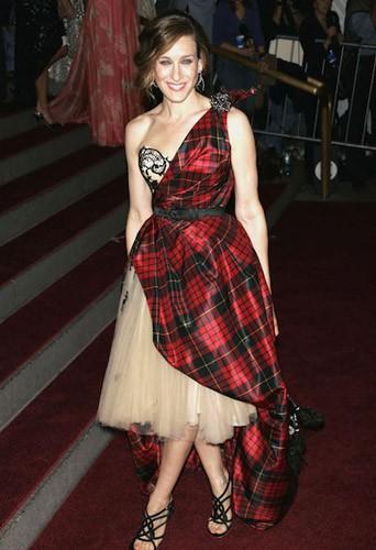En robe tartan pour un hommage à Alexander McQueen en 2008 à New York