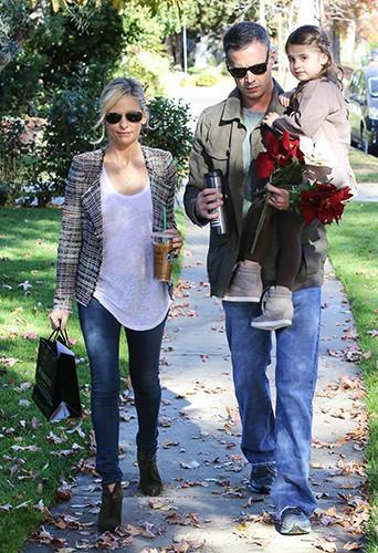 Sarah Michelle Gellar et Freddie Prinze Jr. en famille à Los Angeles le 15 décembre 2013