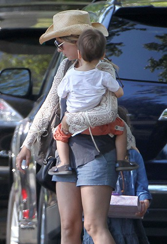 Sarah Michelle Gellar et ses enfants à Los Angeles le 9 août 2014