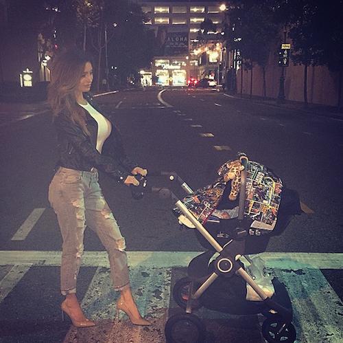 Photos : Sarah Stage hot, elle reprend les shootings un mois après son accouchement !