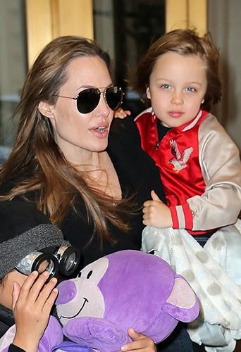 Angelina Jolie et son fils Knox Léon