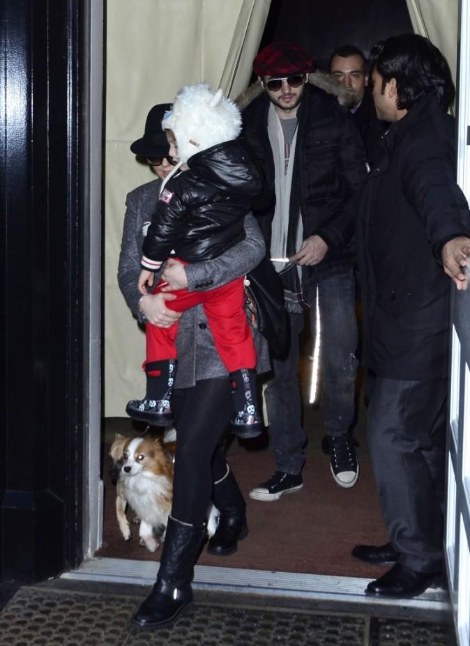 Christina Aguilera et son fils Max à New York, le 2 janvier 2011.