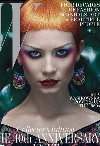Mia Wasikowska en couverture de W Magazine du mois de Novembre 2012.