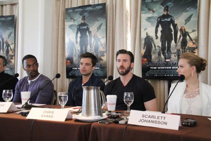 Scarlett Johansson à la conférence de presse de Captain America, Le Soldat de l'hiver organisée à Beverly Hills le 12 mars 2014