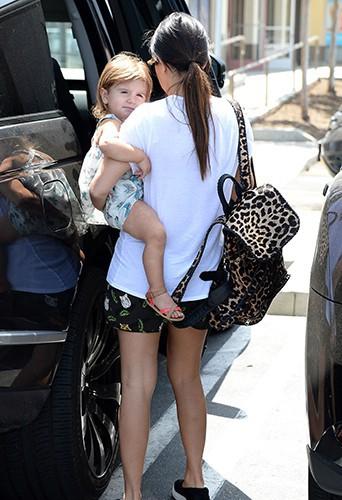 Kourtney Kardashian et Scott Disick en famille à Los Angeles le 3 mai 2014
