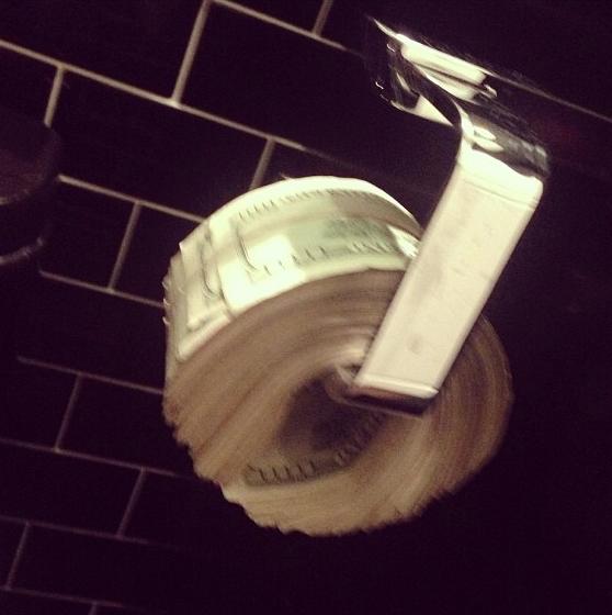 Photos : Scott Disick : le chéri de Kourtney Kardashian ne sait vraiment plus quoi faire de son argent !