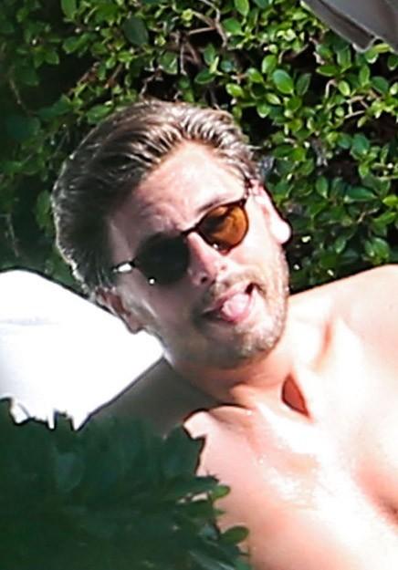 Scott Disick au bord d'une pscine de Miami le 29 juin 2013