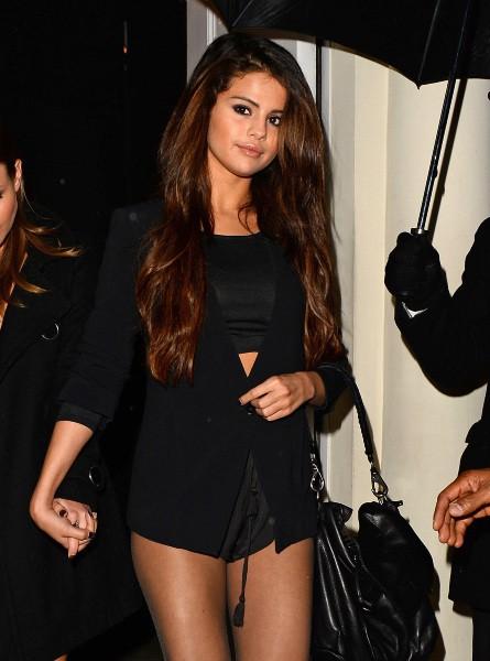 Selena Gomez de sortie à Londres, le 17 février 2014.