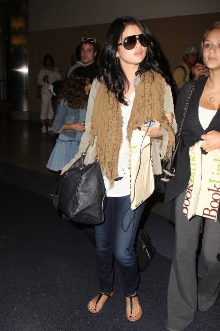 Selena Gomez à l'aéroport de Los Angeles, le 17 septembre 2012.