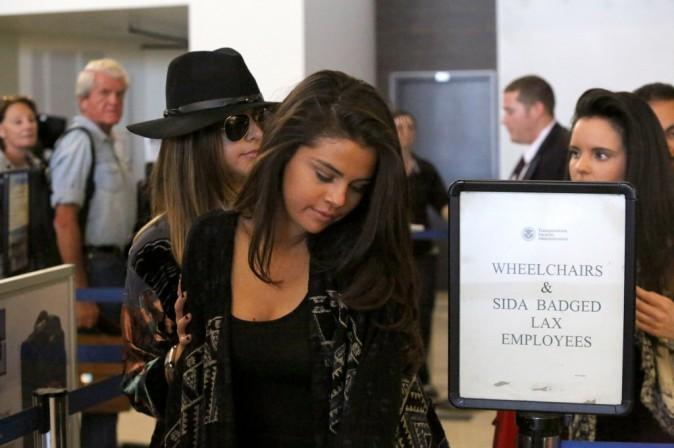 Photos : Selena Gomez : de retour à Los Angeles, elle fait profil bas !