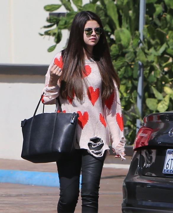 Selena Gomez à Woodland Hills, en Californie, le 4 octobre 2012