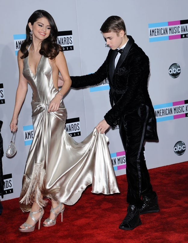 Justin en mode galant pour les American Music Awards ...