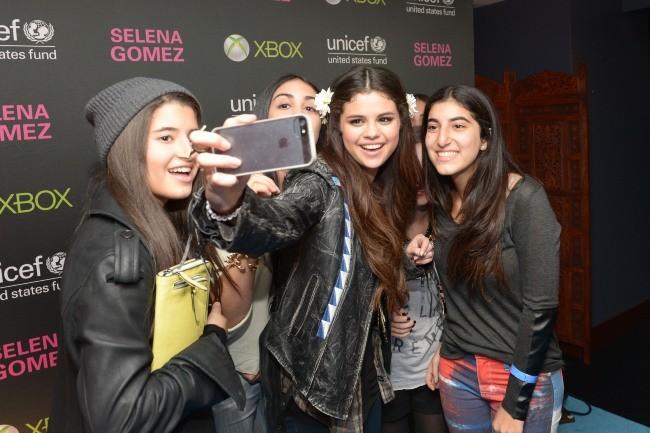 Selena Gomez à son arrivée au Best Buy Theater pour son concert pour l'UNICEF à New York, le 19 janvier 2013.