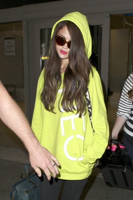Selena Gomez à l'aéroport de Los Angeles, le 10 juillet 2013.