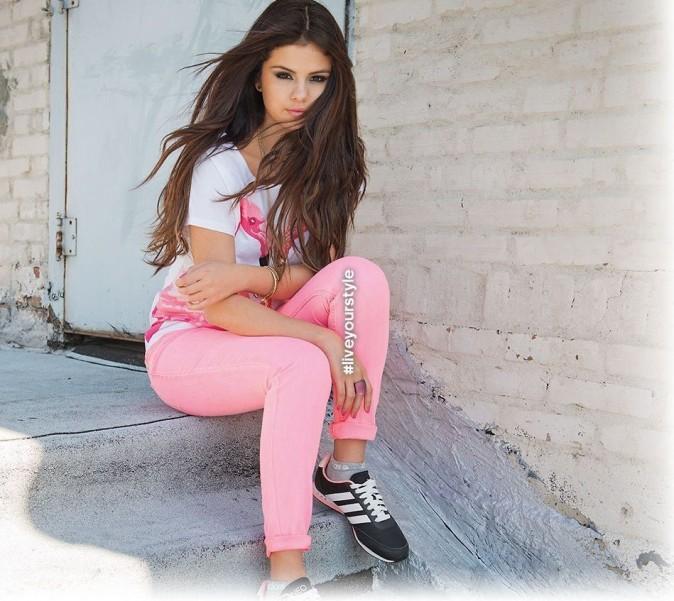 Selena Gomez en rose