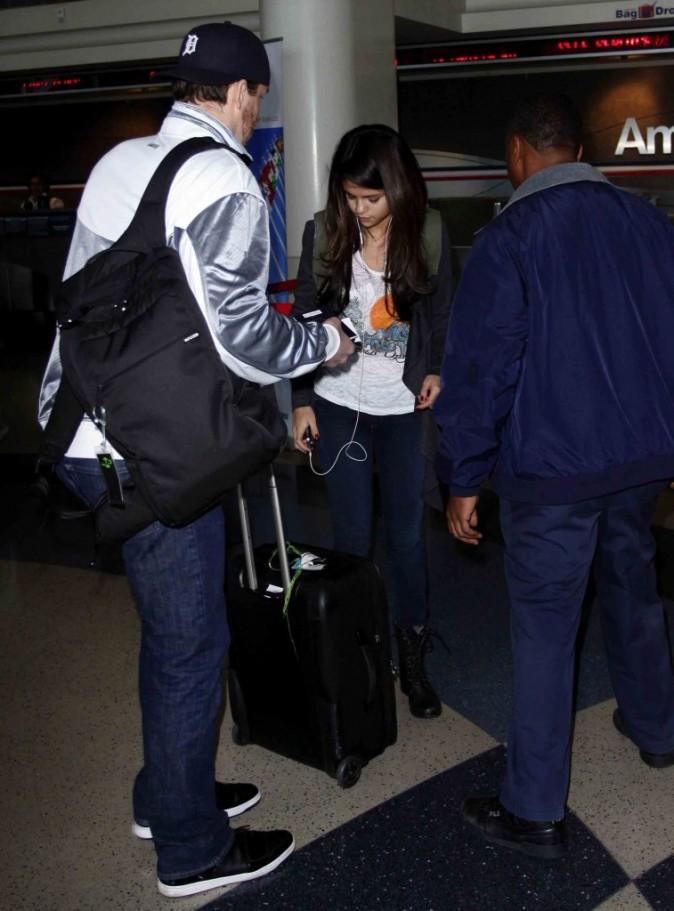 Séance d'autographe à l'aéroport