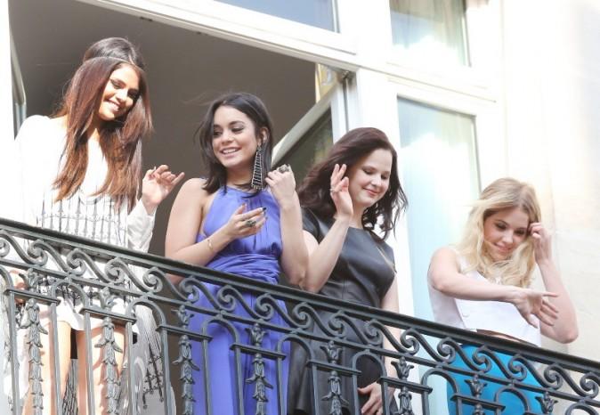 Selena Gomez, Vanessa Hudgens, Rachel Korine et Ashley Benson à Paris, le 17 février 2013.