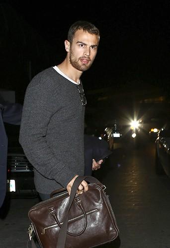 Theo James à Los Angeles le 6 mars 2014