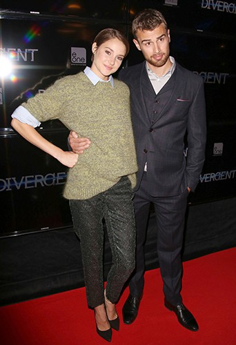 Shailene Woodley et Theo James à Toronto le 5 mars 2014