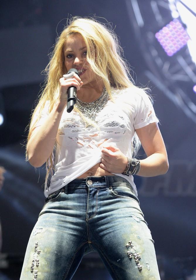 Shakira en concert à Los Angeles le 10 mai 2014