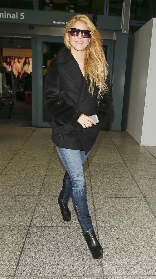 Shakira à l'aéroport d'Heathrow de Londres le 7 avril 2014