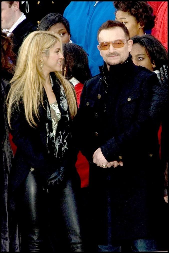 Shakira s'engage aux côtés de Bono