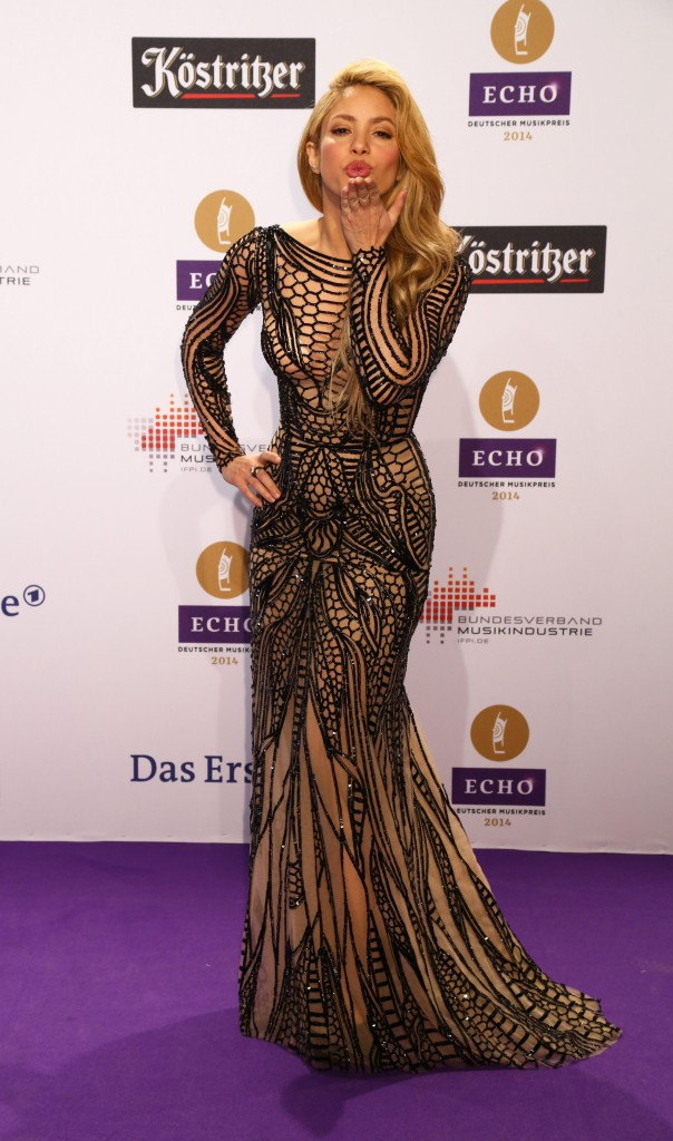 Shakira : glamour et sex-appeal pour la c�r�monie des Echo Music Awards 2014 !