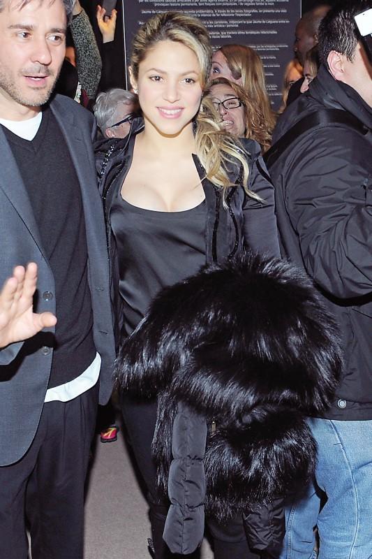 Shakira lors de l'exposition du photographe Jaume de Laiguana à Barcelone, le 28 février 2013.