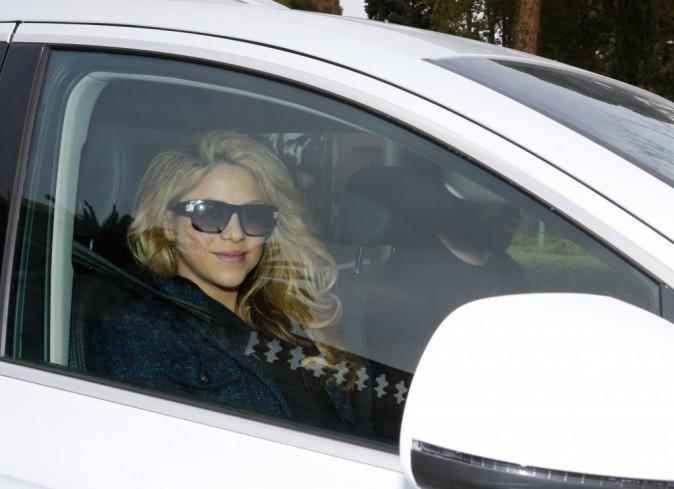 Shakira : rayonnante � sa sortie d'h�pital, retour � la maison avec les trois hommes de sa vie !