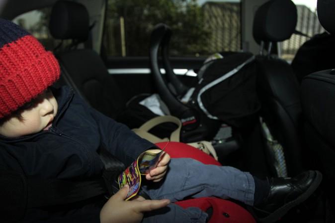 Photos : Shakira : rayonnante à sa sortie d'hôpital, retour à la maison avec les trois hommes de sa vie !