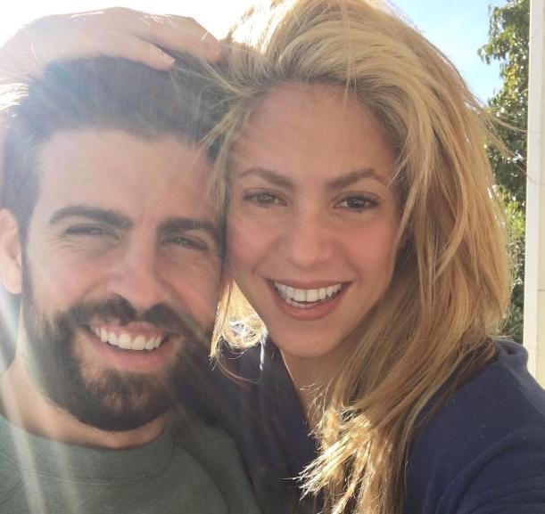 Shakira retrouve le sourire (et réactive le mode ultra sexy)...