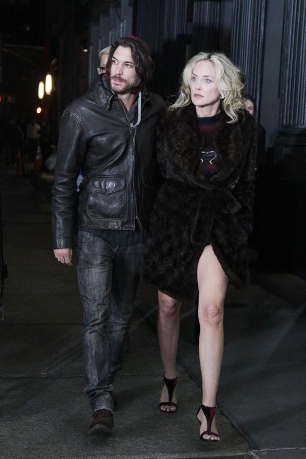 Sharon Stone sur le tournage de Fading Gigolo à New-York le 29 novembre 2012