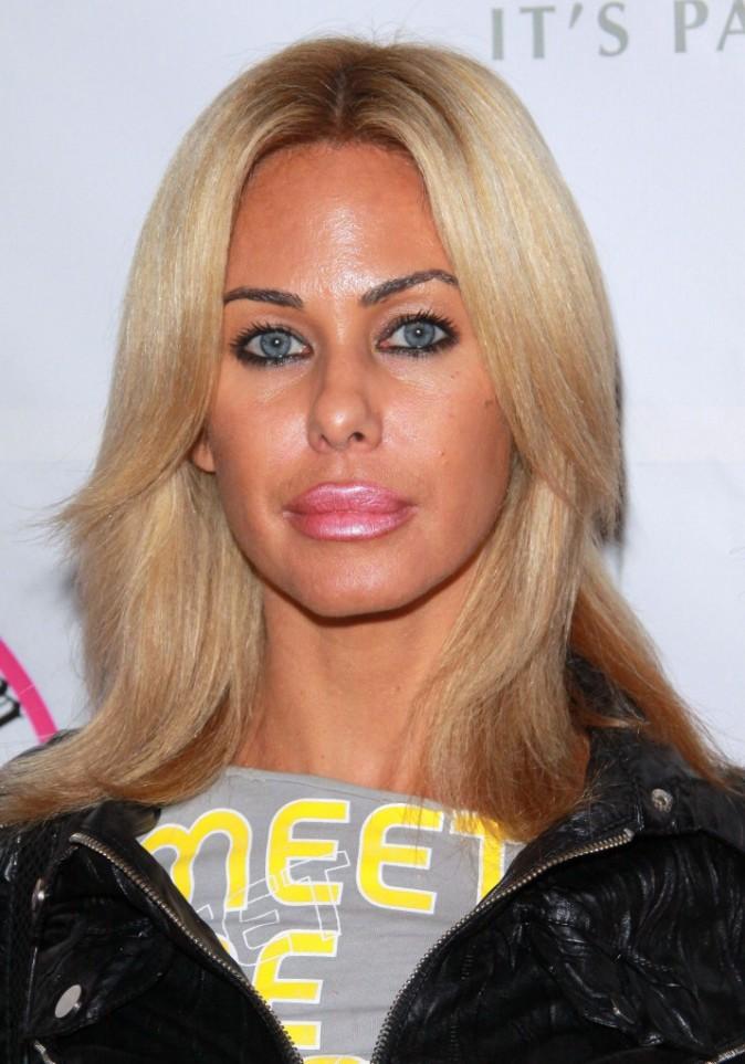 Masquez le bas du visage et vous verrez Lindsay Lohan ! Masquez le haut et vous verrez la version drag queen de Donald Duck !