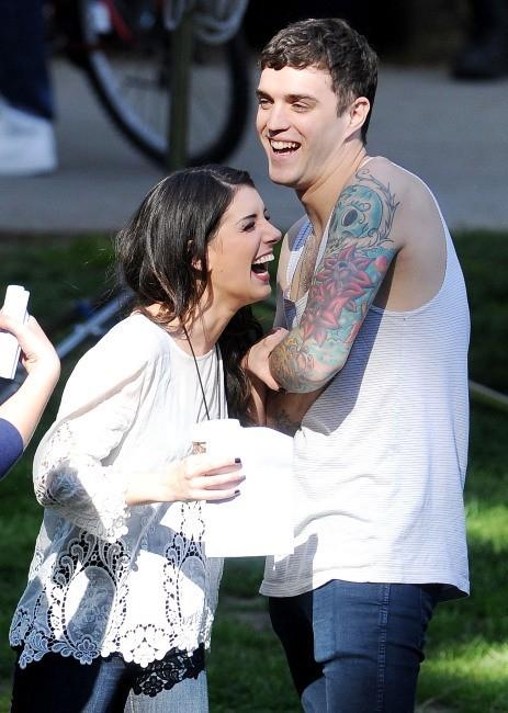 Shenae Grimes et Josh Beech le 27 février 2013 à Los Angeles
