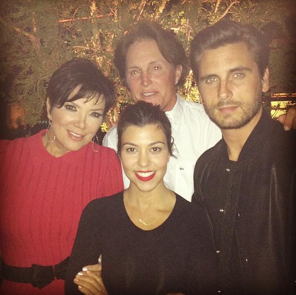 Kris et Bruce Jenner ont croisé Kourtney et Scott qui dinaient en amoureux !