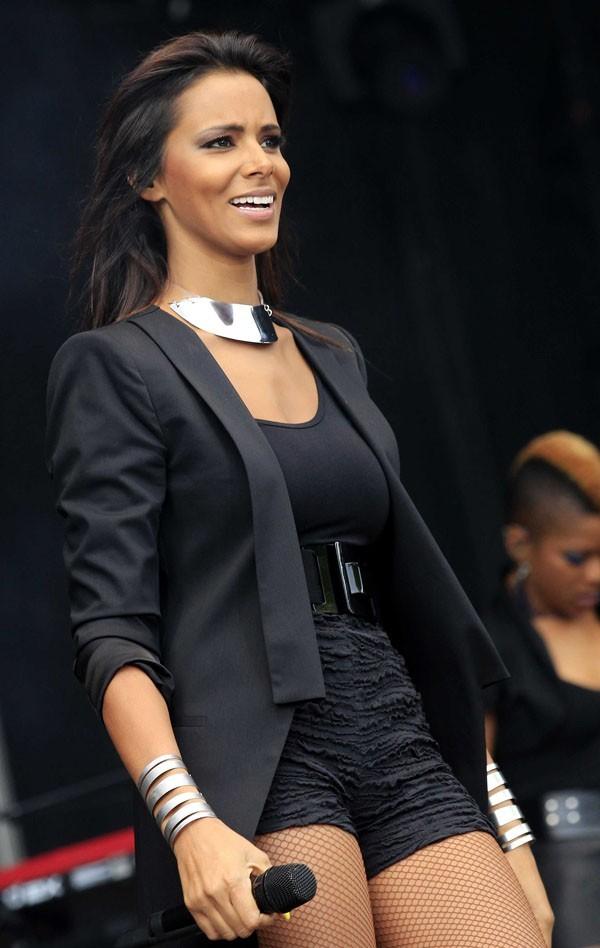 Shy'm en concert à Montereau Fault le 9 juin 2012