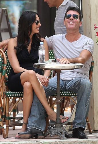 Photos : Simon Cowell : il ose enfin s'afficher avec la femme de son meilleur ami, enceinte de lui !