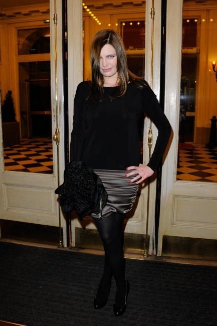 Elodie Frégé lors du gala pour l'association Enfance Majuscule à Paris, le 5 mars 2012.