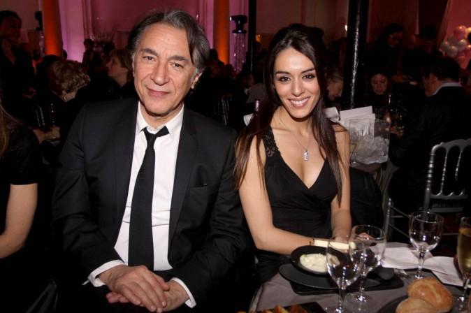 Richard Berry et Sofia Essaïdi lors du gala pour l'association Enfance Majuscule à Paris, le 5 mars 2012.