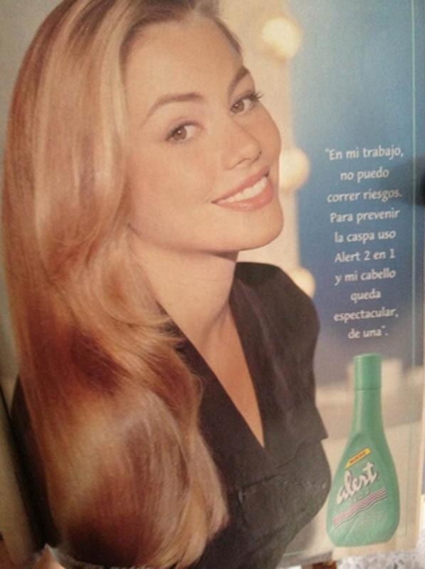 Sofia Vergara s'éclaircit les cheveux et dévoile d'anciens clichés d'elle en blonde torride !