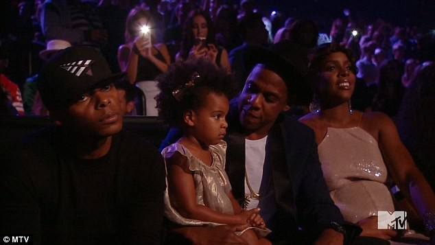 Ivy Blue, Jay Z et Kelly Rowland lors des MTV VMA's 2014 à Inglewood.