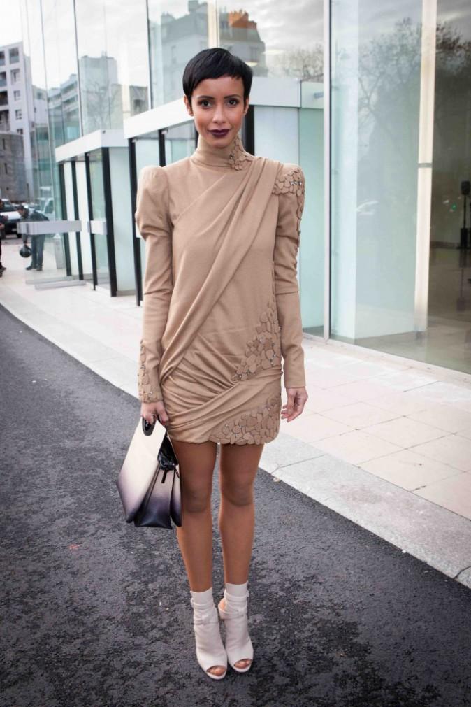 Sonia Rolland : chic et sobre elle volerait presque la vedette aux mannequins !