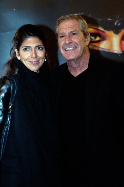 Jean-Claude Darmon et sa compagne Hoda Roche lors de la première de Shéhérazade - Les Mille et une Nuits, le 6 décembre à Paris.